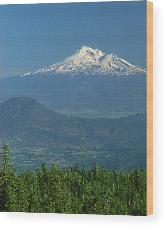 Mt. Shasta Wood Print featuring the photograph 1a5637-mt. Shasta From Oregon by Ed Cooper Photography