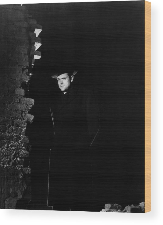 1940s Movies Wood Print featuring the photograph The Third Man, Orson Welles, 1949 by Everett