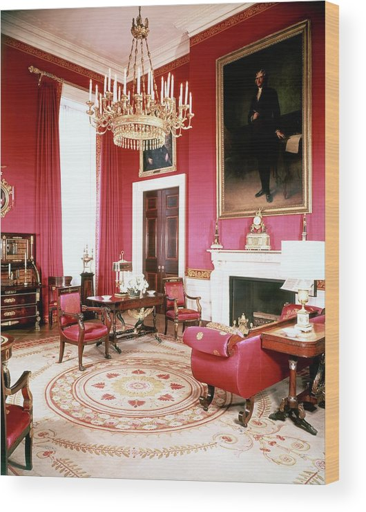Home Wood Print featuring the photograph The White House Red Room by Tom Leonard