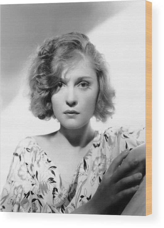 1930s Movies Wood Print featuring the photograph We Live Again, Anna Sten, 1934 by Everett