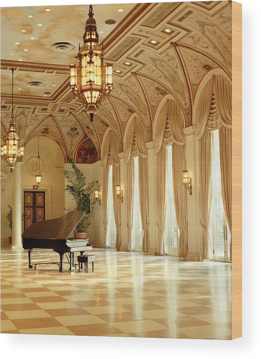 The Breakers Wood Print featuring the photograph A Grand Piano At The Breakers 100 by Rich Franco