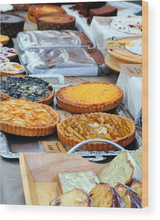 Pies Wood Print featuring the photograph Artisans Market 7806 by PhotohogDesigns