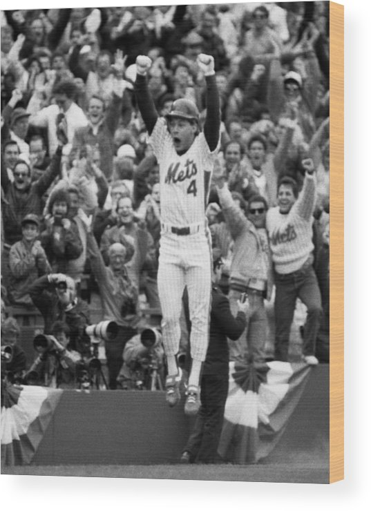 Playoffs Wood Print featuring the photograph Lenny Dysktra by New York Daily News Archive