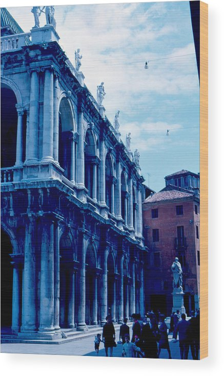 Piazza Del Signore Wood Print featuring the photograph Vicenza Piazza del Signore 1962 by Cumberland Warden