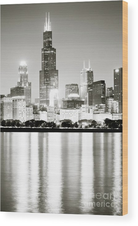 America Wood Print featuring the photograph Chicago Skyline at Night by Paul Velgos