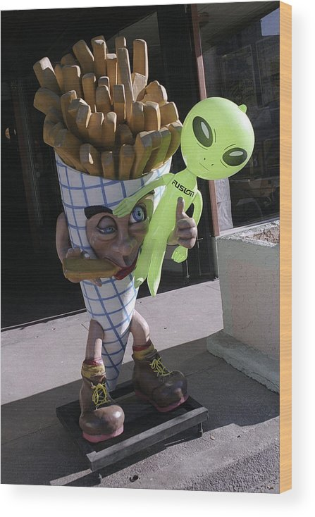 Alien Wood Print featuring the photograph French Fried Alien by Richard Henne