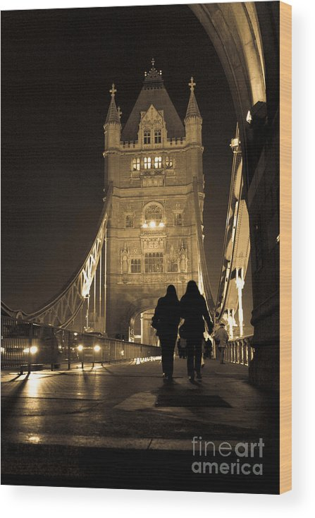 London Wood Print featuring the photograph Midnight Stroll over the Bridge by Joshua Francia