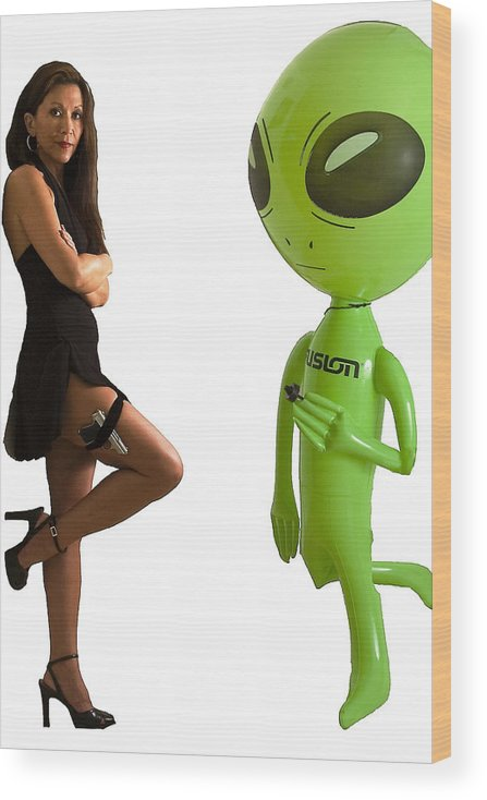Model Wood Print featuring the photograph Mr. And Mrs Alien by Richard Henne