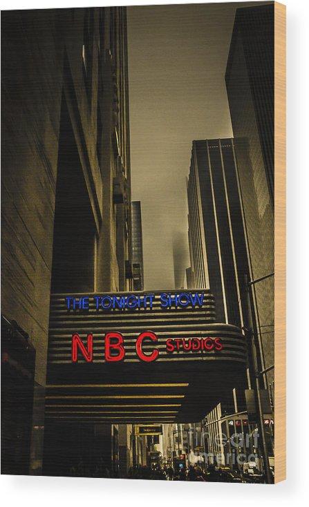 The Tonight Show Nbc Studios Rockefeller Center Wood Print By Edward Fielding