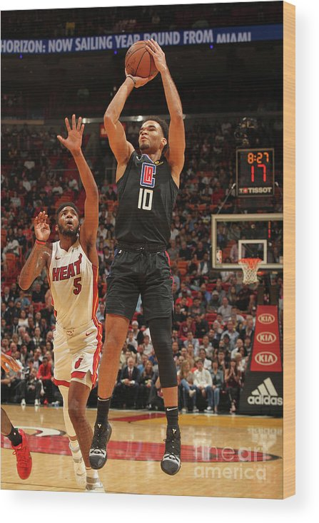 Jerome Robinson Wood Print featuring the photograph La Clippers V Miami Heat by Oscar Baldizon