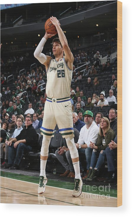 Nba Pro Basketball Wood Print featuring the photograph New York Knicks V Milwaukee Bucks by Gary Dineen