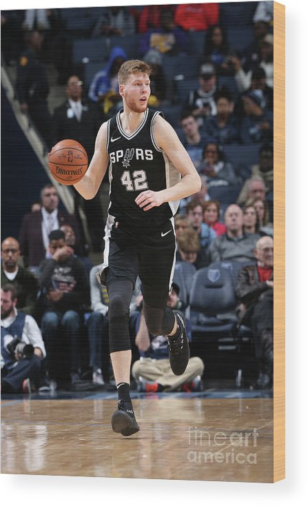 Nba Pro Basketball Wood Print featuring the photograph San Antonio Spurs V Memphis Grizzlies by Joe Murphy
