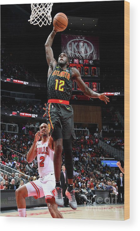 Atlanta Wood Print featuring the photograph Chicago Bulls V Atlanta Hawks by Scott Cunningham