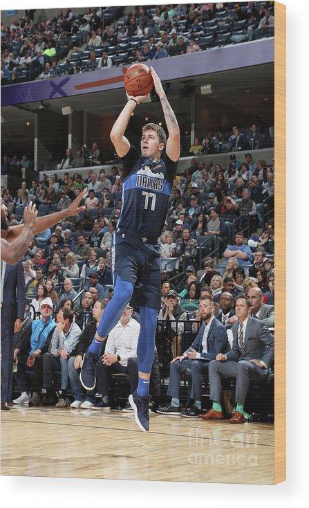 Nba Pro Basketball Wood Print featuring the photograph Dallas Mavericks V Memphis Grizzlies by Joe Murphy