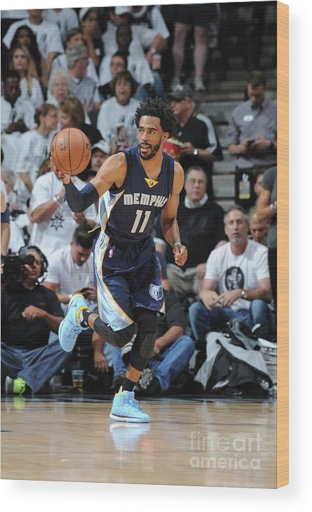 Playoffs Wood Print featuring the photograph Memphis Grizzlies V San Antonio Spurs - by Mark Sobhani