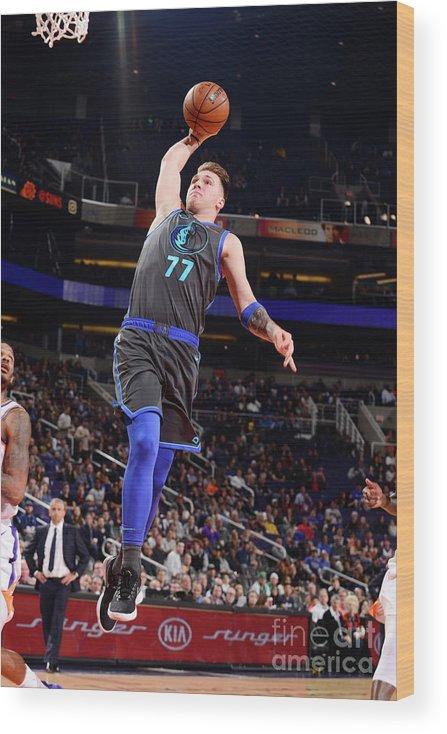 Nba Pro Basketball Wood Print featuring the photograph Dallas Mavericks V Phoenix Suns by Barry Gossage