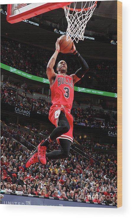 Nba Pro Basketball Wood Print featuring the photograph Los Angeles Lakers V Chicago Bulls by Nathaniel S. Butler