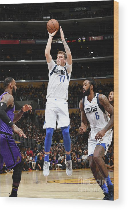 Nba Pro Basketball Wood Print featuring the photograph Dallas Mavericks V Los Angeles Lakers by Andrew D. Bernstein