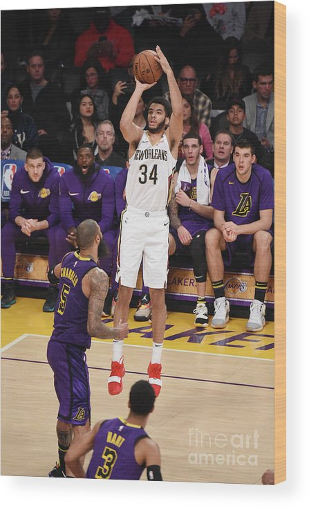 Nba Pro Basketball Wood Print featuring the photograph New Orleans Pelicans V Los Angeles by Adam Pantozzi