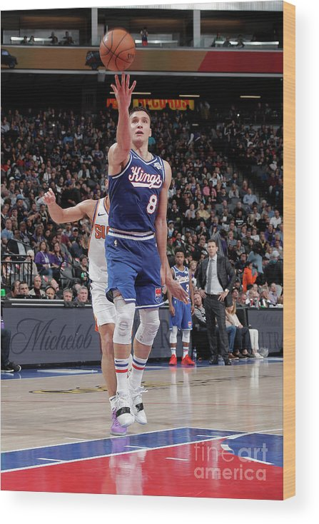 Nba Pro Basketball Wood Print featuring the photograph Phoenix Suns V Sacramento Kings by Rocky Widner