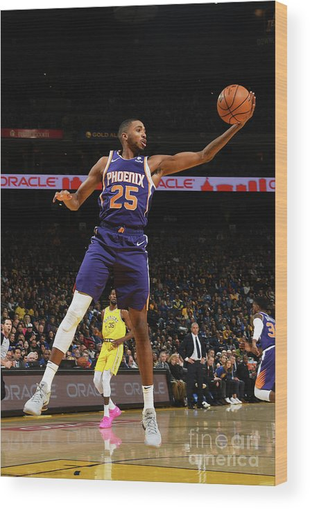 Nba Pro Basketball Wood Print featuring the photograph Phoenix Suns V Golden State Warriors by Noah Graham