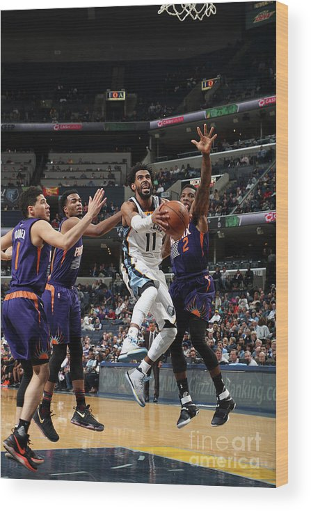 Nba Pro Basketball Wood Print featuring the photograph Phoenix Suns V Memphis Grizzlies by Joe Murphy