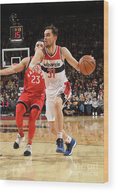 Nba Pro Basketball Wood Print featuring the photograph Washington Wizards V Toronto Raptors by Ron Turenne
