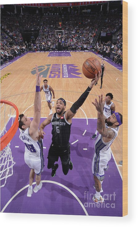 Nba Pro Basketball Wood Print featuring the photograph Detroit Pistons V Sacramento Kings by Rocky Widner