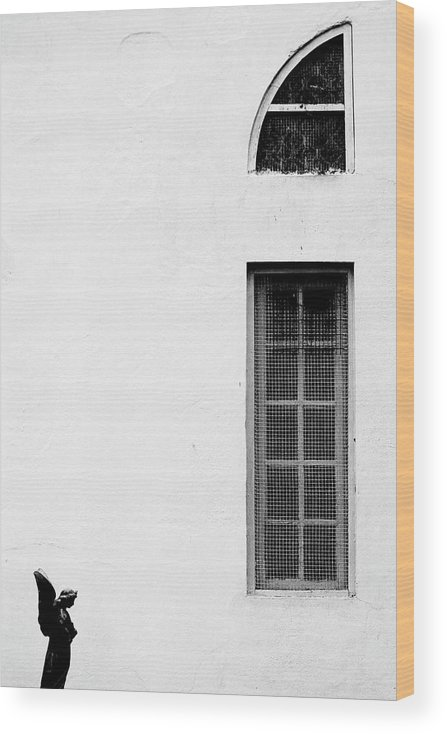 Statue Wood Print featuring the photograph Angel Statue In Front Of A Wall by Win-initiative/neleman