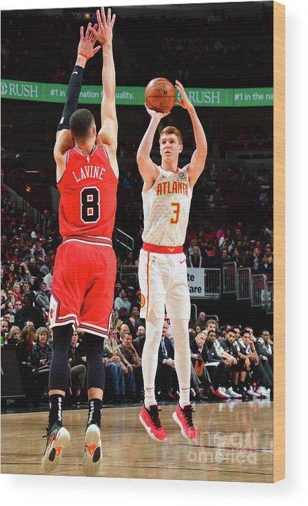 Chicago Bulls Wood Print featuring the photograph Atlanta Hawks V Chicago Bulls by Scott Cunningham