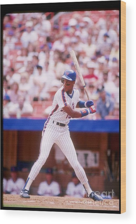 1980-1989 Wood Print featuring the photograph Darryl Strawberry by Getty Images