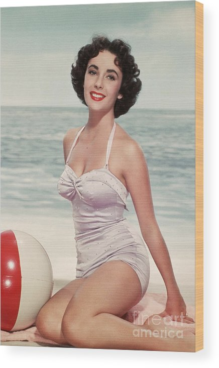 People Wood Print featuring the photograph Elizabeth Taylor In A Bathing Suit by Bettmann