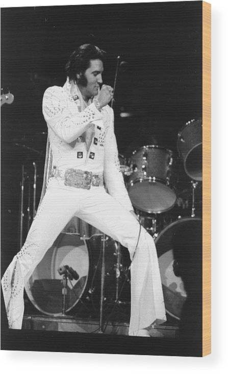 Elvis Presley Wood Print featuring the photograph Elvis Presley On Stage During His 1972 by New York Daily News Archive
