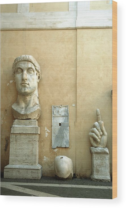 Statue Wood Print featuring the photograph Emperor Constantine by Manuelvelasco