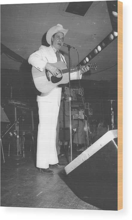 Performance Wood Print featuring the photograph Ernest Tubb At The Palomino by Michael Ochs Archives