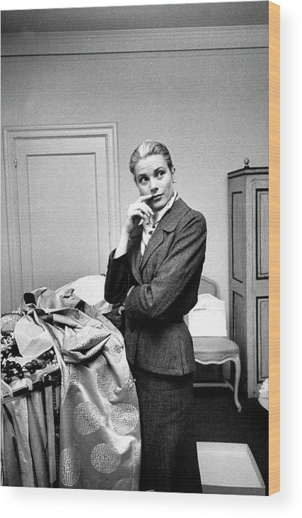 Timeincown Wood Print featuring the photograph Grace Kelly by Lisa Larsen