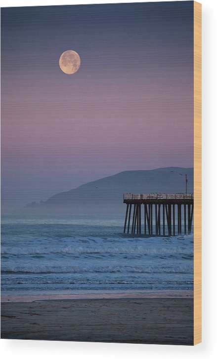 Pismo Beach Wood Print featuring the photograph Moonset At Pismo Beach by Mimi Ditchie Photography