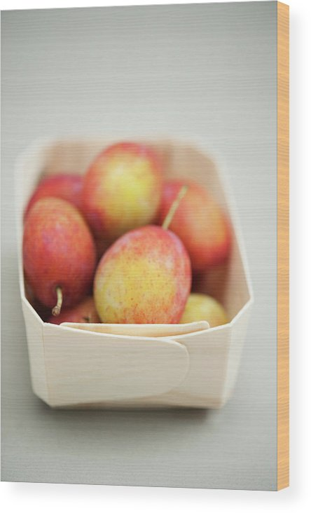 Plum Wood Print featuring the photograph Punnet Of Victoria Plums by Diana Miller