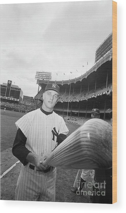 People Wood Print featuring the photograph Roger Maris And His Bat, 1961 by Bettmann