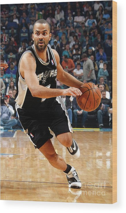 Smoothie King Center Wood Print featuring the photograph San Antonio Spurs V New Orleans Hornets by Layne Murdoch
