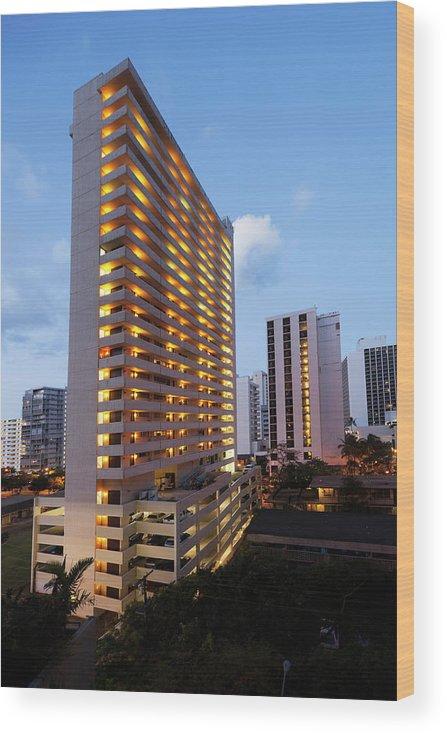 Honolulu Wood Print featuring the photograph Waikiki Morning by Slobo