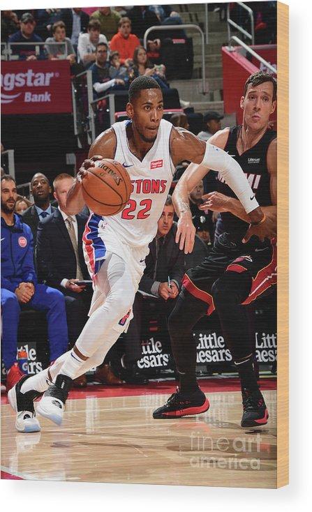 Nba Pro Basketball Wood Print featuring the photograph Glenn Robinson by Chris Schwegler