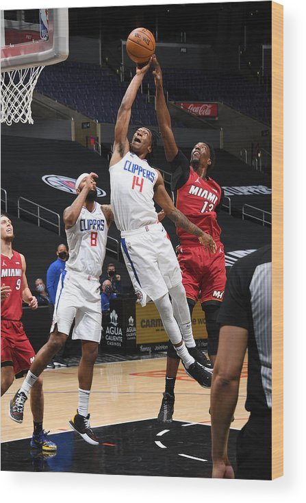 Nba Pro Basketball Wood Print featuring the photograph Miami Heat v Los Angeles Clippers by Adam Pantozzi