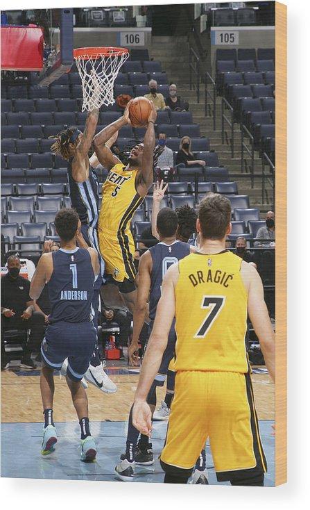 Nba Pro Basketball Wood Print featuring the photograph Miami Heat v Memphis Grizzlies by Joe Murphy