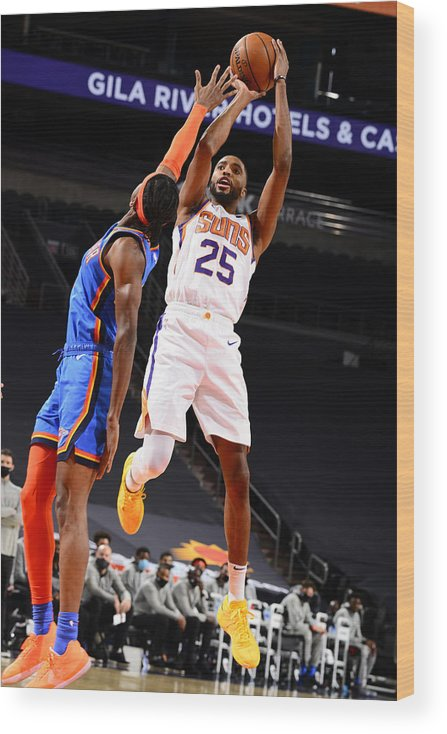Nba Pro Basketball Wood Print featuring the photograph Oklahoma City Thunder v Phoenix Suns by Barry Gossage
