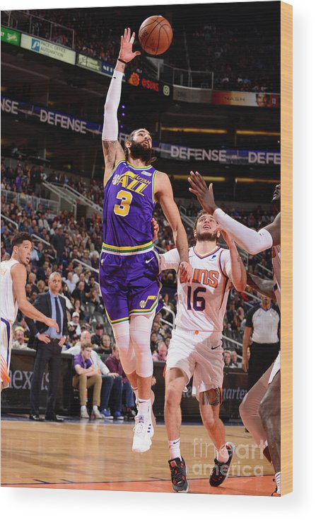 Nba Pro Basketball Wood Print featuring the photograph Ricky Rubio by Barry Gossage