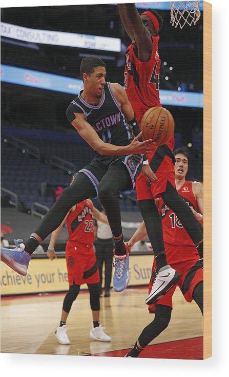 Nba Pro Basketball Wood Print featuring the photograph Sacramento Kings v Toronto Raptors by Scott Audette