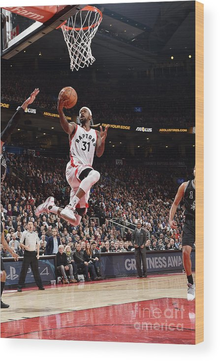 Nba Pro Basketball Wood Print featuring the photograph Terrence Ross by Ron Turenne
