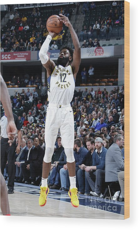 Nba Pro Basketball Wood Print featuring the photograph Tyreke Evans by Ron Hoskins