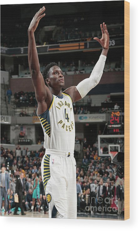 Nba Pro Basketball Wood Print featuring the photograph Victor Oladipo by Ron Hoskins